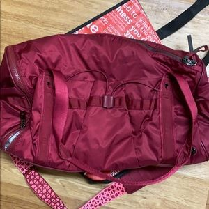⬇️Lululemon Duffel Bag